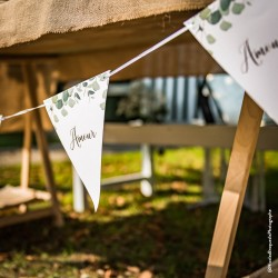 "Guirlande 10 fanions ""Amour"" eucalyptus | mariage botanique"
